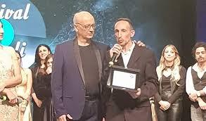 Photo of Premio speciale per il cantautore Luca Maris al Festival di Napoli